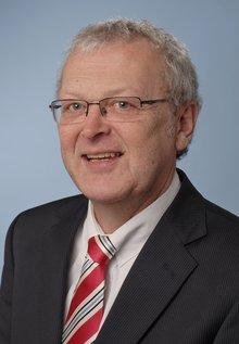 Hans-Jürgen Klempau, Versicherungen